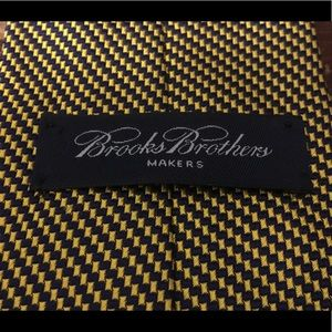 Brook's Brothers Maker Yellow & Blue Checkered tie
